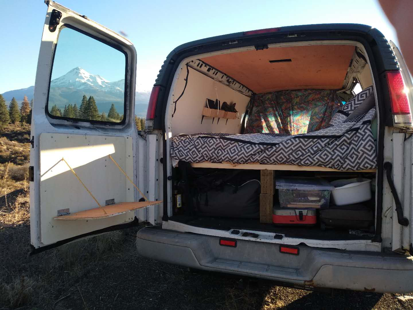 Simple Van Conversion Idea For Chevy Express Global Shenanigans